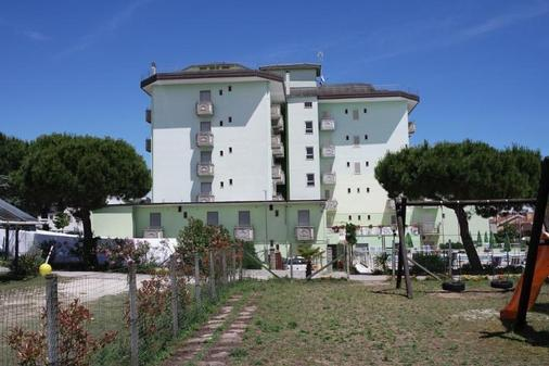 维耶内洛酒店 - 耶索洛 - 建筑