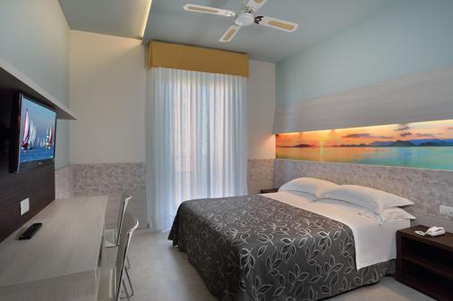 可利佩酒店 - 佩萨罗 - 睡房