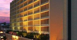 曼谷塔瓦纳酒店 - 曼谷 - 建筑