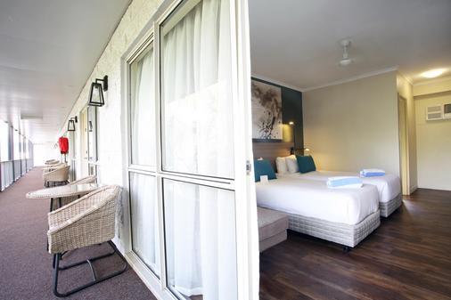 鳄鱼俱乐部艾尔利海滩酒店 - 艾尔利滩 - 睡房