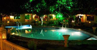 遺産鄉村度假飯店 - 斋浦尔 - 游泳池
