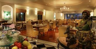亞美達巴德檸檬樹頂級中庭飯店 - 艾哈迈达巴德 - 餐馆