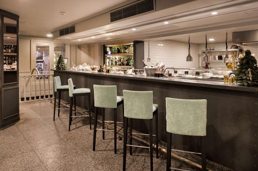 萨拉戈萨格兰德nh酒店 - 萨拉戈萨 - 酒吧