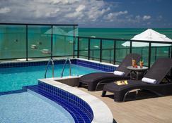 江戈德罗斯旅馆 - 马拉戈日 - 游泳池