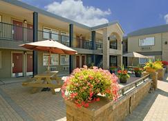 乔治王子城加拿大最佳价值酒店 - 乔治王子城 - 建筑