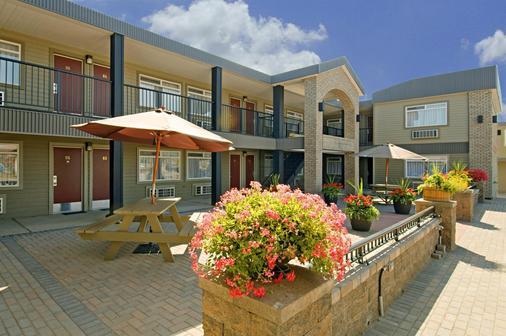 乔治王子加拿大最佳价值酒店 - 乔治王子城 - 建筑