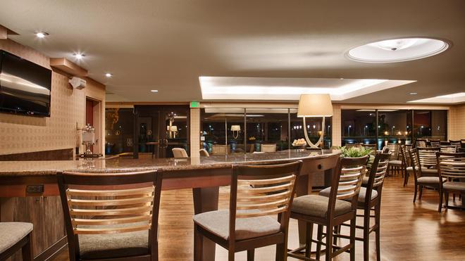 西佳plus海湾酒店 - 奥克兰 - 酒吧