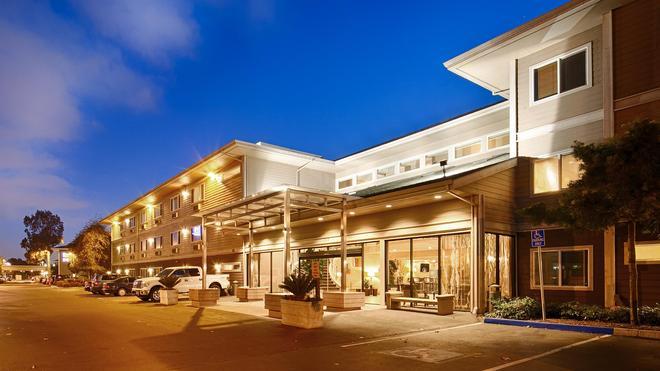 西佳plus海湾酒店 - 奥克兰 - 建筑
