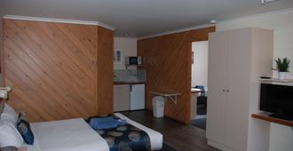 坎宁安海岸金链汽车旅馆 - 湖区入口 - 睡房