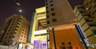 朱费尔大酒店 - 麦纳麦 - 建筑