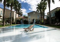 曼那斯蒂尔阿拉卡提酒店 - 阿拉恰特 - 游泳池