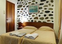 勒斯沃斯港酒店 - 米蒂利尼 - 睡房