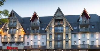 宜必思多维尔中心酒店 - 多维尔