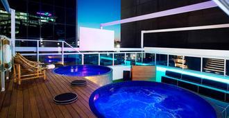 布里斯班莱姆斯酒店 - 布里斯班 - 游泳池