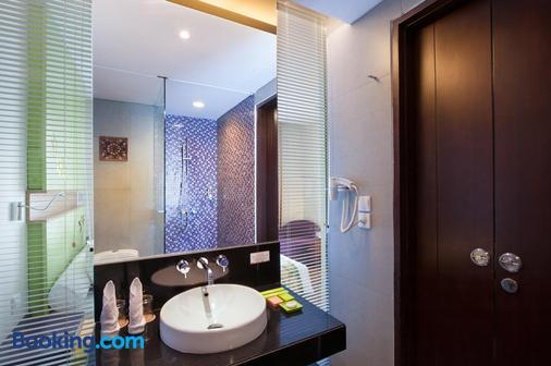 巴厘岛丹帕沙酒店 - 登巴萨 - 浴室