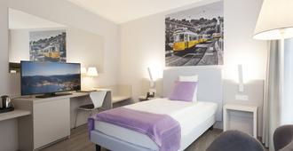 卢加诺城市酒店 - 卢加诺 - 睡房