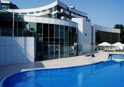 托伦哥白尼格酒店 - 托伦 - 游泳池