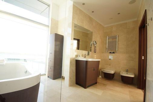 托伦哥白尼格酒店 - 托伦 - 浴室