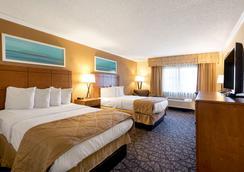 底特律都会机场克拉丽奥酒店 - 罗穆卢斯 - 睡房