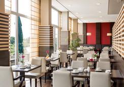 汉堡霍纳伦班nh酒店 - 汉堡 - 餐馆