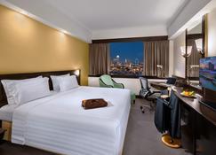 富丽华城市中心酒店 - 新加坡 - 睡房