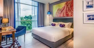 京那巴鲁市中心美居酒店 - 亚庇 - 睡房