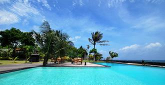 巴厘岛图兰本卡加恩酒店 - 库布 - 游泳池