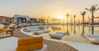 迪拜尼基海滩度假村及Spa - 迪拜