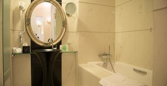 大陆酒店 - 布加勒斯特 - 浴室