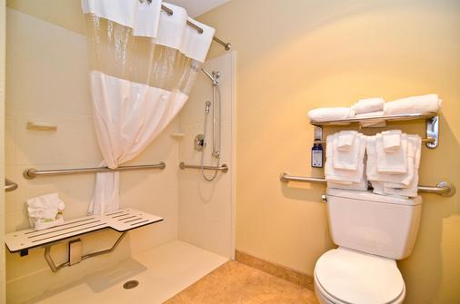 贝斯特韦斯特普拉斯蔻驰酒店 - 斯普林菲尔德 - 浴室