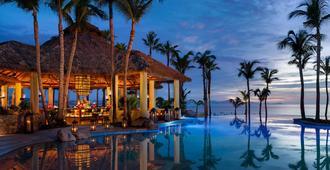 帕米拉独一无二酒店 - 卡波圣卢卡 - 游泳池