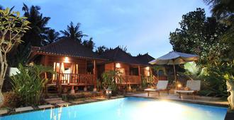 威尔酒店 - 珀尼达岛 - 游泳池
