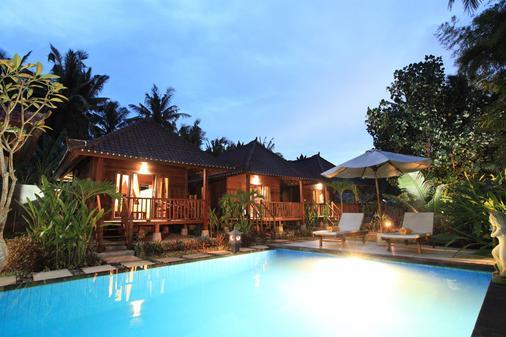 威尔酒店 - Nusa Penida - 游泳池