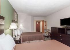 纽瓦克机场豪生酒店 - 纽瓦克 - 睡房