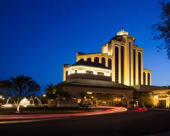 奥伯格赌场度假村 - 查尔斯湖 - 建筑