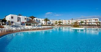 罗伯斯海湾拉布兰达酒店 - 科拉雷侯 - 游泳池
