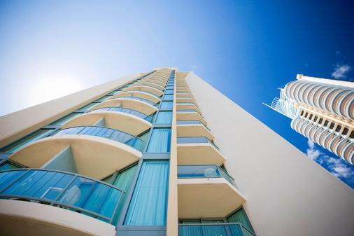 黄金海岸曼特拉传奇酒店 - 冲浪者天堂 - 建筑
