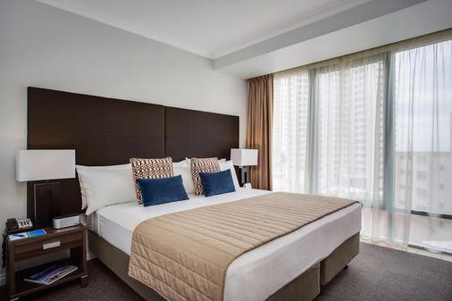 黄金海岸曼特拉传奇酒店 - 冲浪者天堂 - 睡房
