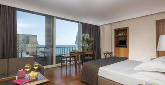 皇家大陆酒店 - 那不勒斯 - 睡房