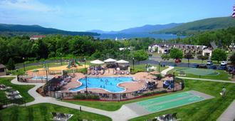 乔治湖度假酒店 - 乔治湖 - 游泳池