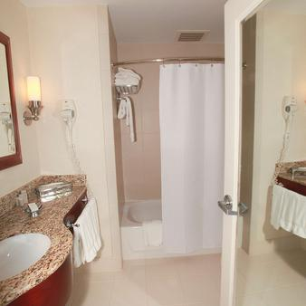纽约圣卡洛斯酒店 - 纽约 - 浴室
