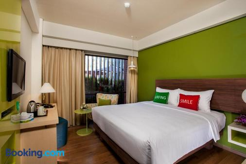 易昂巴厘岛贝诺酒店 - 乌鲁瓦图 - 睡房