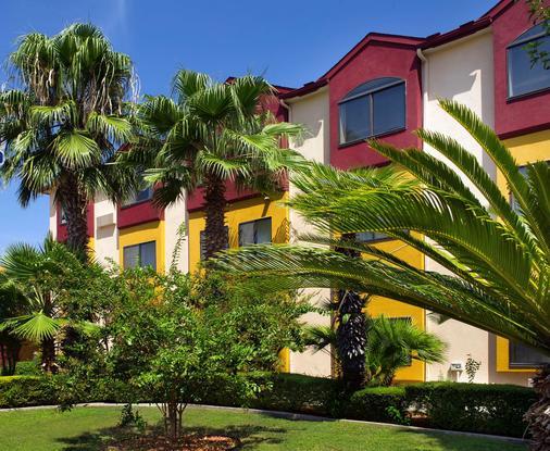 阿拉莫套房市区贝斯特韦斯特酒店 - 圣安东尼奥 - 建筑