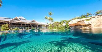 凯恩斯殖民地俱乐部度假酒店 - 凯恩斯 - 游泳池