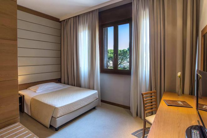 西方奥蕾丽亚酒店 - 罗马 - 睡房