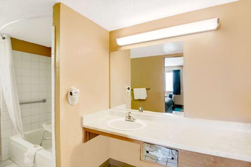 埃尔帕索机场东戴斯酒店 - 埃尔帕索 - 浴室