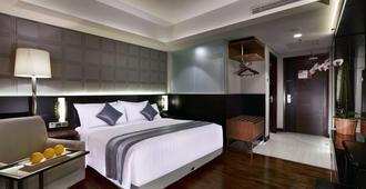 阿斯顿巴斯德酒店 - 万隆 - 睡房