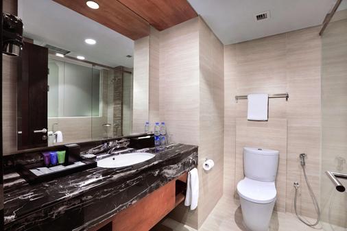 阿斯顿巴斯德酒店 - 万隆 - 浴室