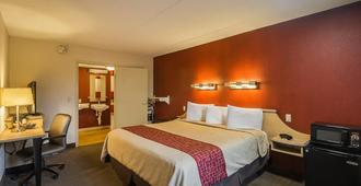 印第安纳波利斯北部红屋顶酒店 - 考列公园 - 印第安纳波利斯 - 睡房