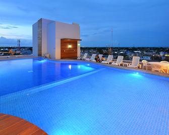 切图马尔嘉年华酒店 - 切图马尔 - 游泳池